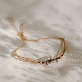 bransoletka na sznurku, bransoletka z kamieni naturalnych, rodohrozyt, prezent dla dziewczyny, biżuteria handmade, polska projektantka, amazonit, cytryn, biżuteria dla druhen, biżuteria dla świadkowej, prezent dla mamy, minimalistyczna bransoletka, bransoletka gałązka, biżuteria roślinna, na wakacje